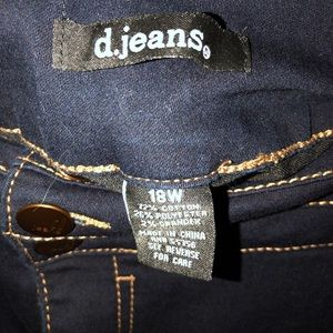 Crop pants NWOT